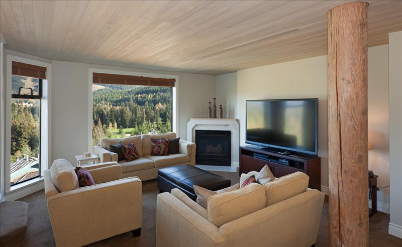 Whistler Accommodations - Spacious sunken living room - Rentals By Owner