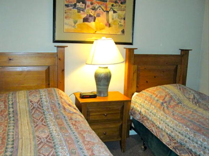 Whistler Accommodations - Second bedroom with Twin Beds - Rentals By Owner