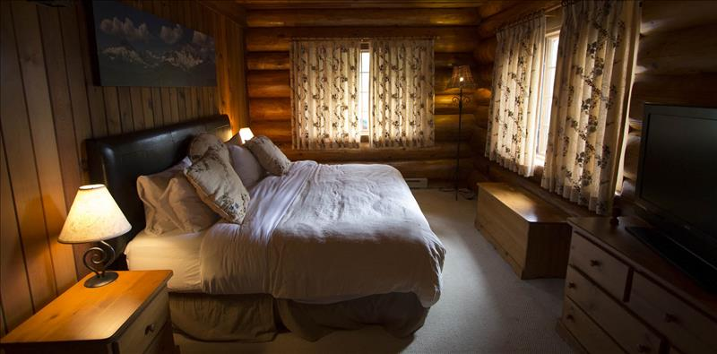Whistler Accommodations - Master Bedroom - King - Rentals By Owner