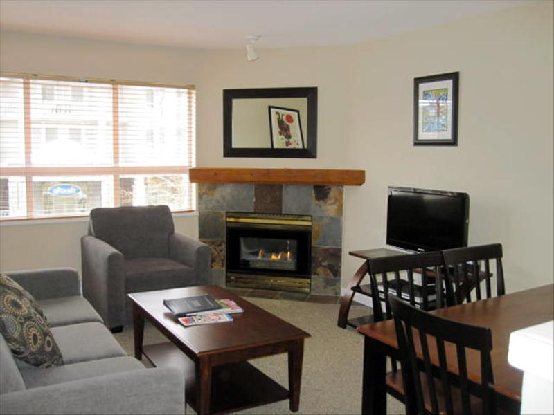 Whistler Marketplace 1 bedroom + Den. Free parking and Internet