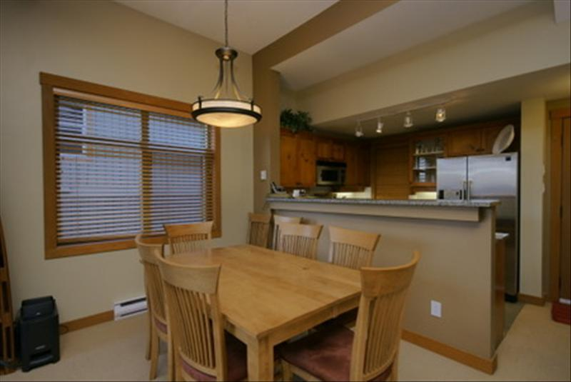 Whistler Accommodations - Dining area with room for the whole family - Rentals By Owner