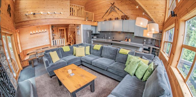 Whistler Pinnacle Ridge 6 bedroom :: Ski in/out, private hot tub