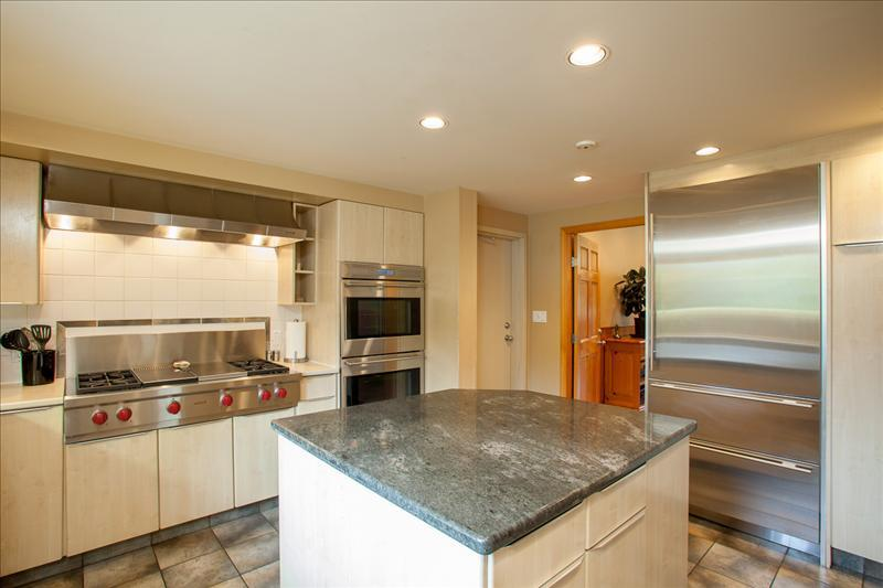 Whistler Accommodations - Gourmet Kitchen - Rentals By Owner