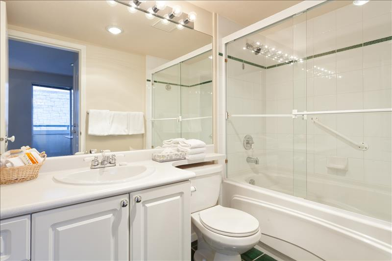 Whistler Accommodations - Full Bathroom - Rentals By Owner