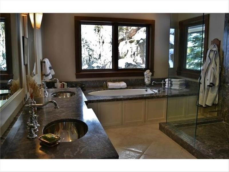 Whistler Accommodations - Luxury Chalet Bath - Rentals By Owner