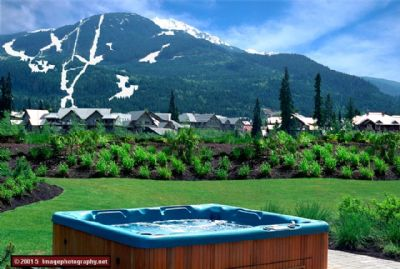 Whistler Luxurious Montebello Townhomes – Hot Tubs – Views Accommodation