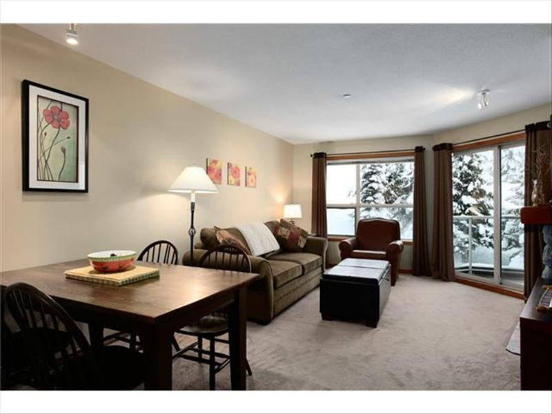 Whistler Accommodations - Whistler Aspens Dining & Living with Views - Rentals By Owner