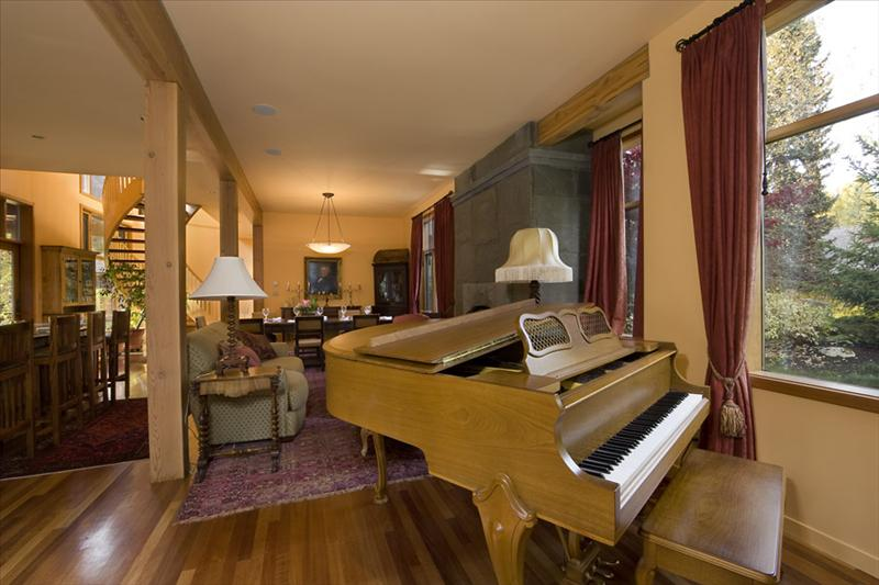Whistler Accommodations - Piano Area - Rentals By Owner