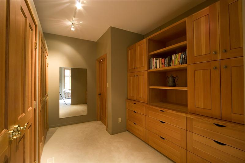 Whistler Accommodations - Master Closet - Rentals By Owner