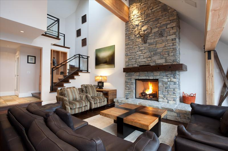Whistler Luxury Accommodation Whistler Pinnacle Ridge 1-877-887-5422