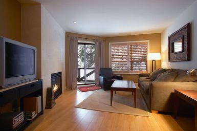 Whistler <b>ASPENS  Modern ski -in/out fully renovated condo sleeps 4