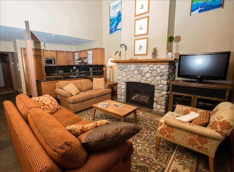 Whistler Accommodations - Living Room - Rentals By Owner