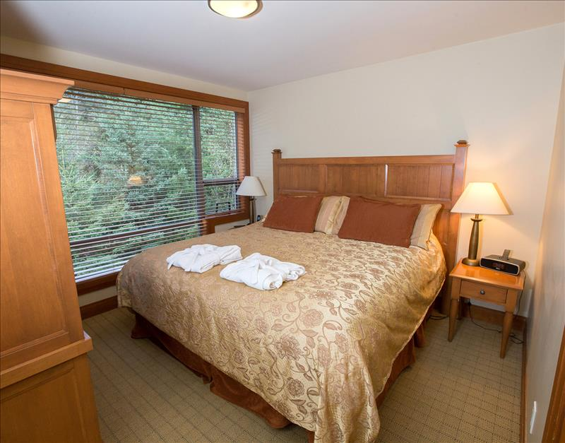 Whistler Accommodations - Upper Master Bedroom - Rentals By Owner