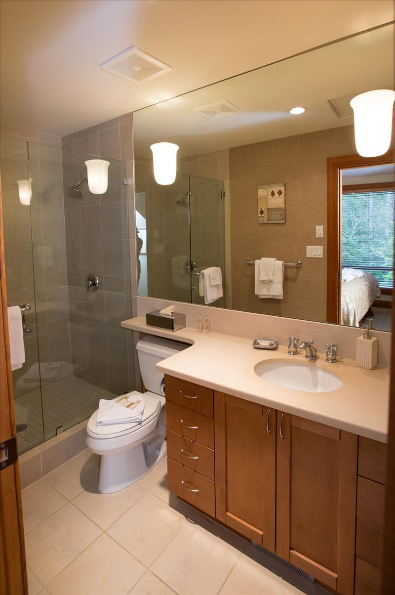 Whistler Accommodations - Upper Master Ensuite - Rentals By Owner