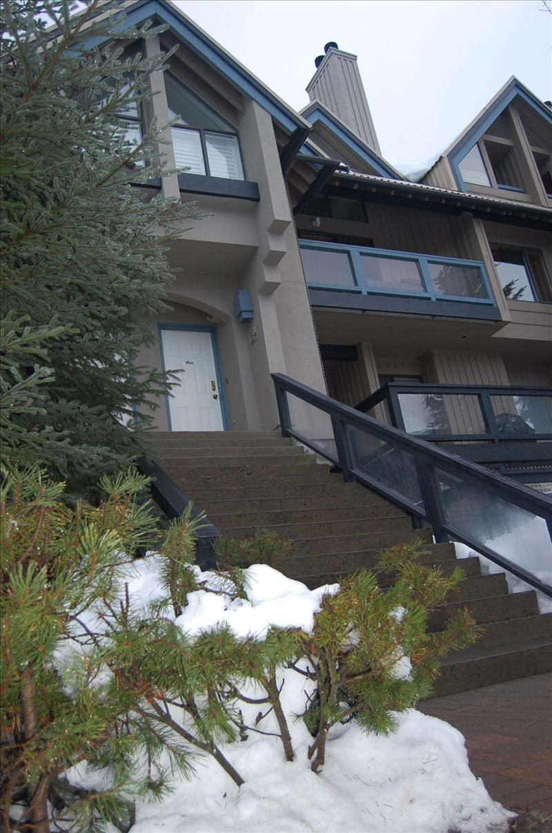 Whistler Whistler Condo Rental / Discount / Village / Walk to lifts