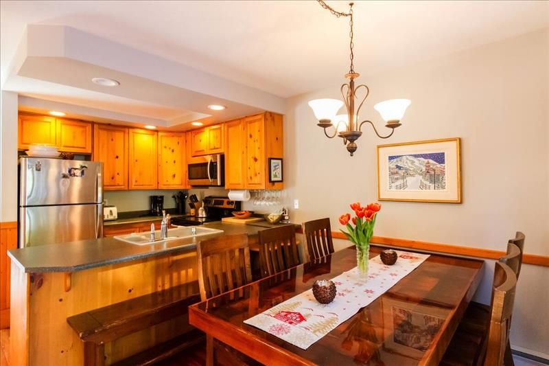 Whistler Accommodations - Kitchen Dining Area - Rentals By Owner