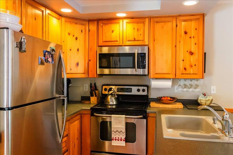 Whistler Accommodations - Kitchen - Rentals By Owner