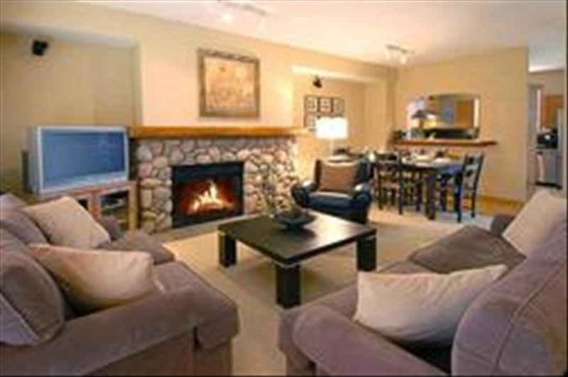 Whistler Whistler Townhome -Summer weekly special. On golf course!