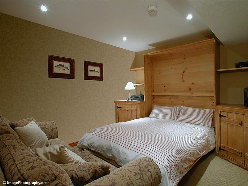 Whistler Accommodations - Queen sized Murphy bed in the den (with private ensuite) - Rentals By Owner