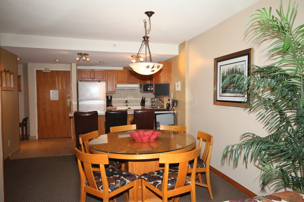 Whistler vacation rentals woodrun lodge true ski in Whistler cabin rentals