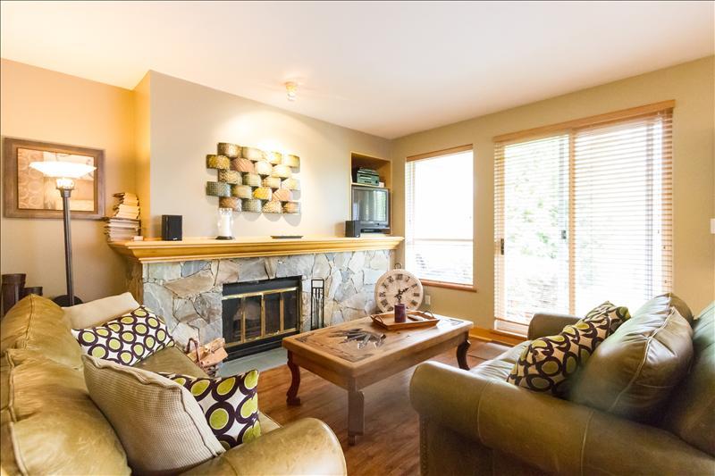 Whistler Alpine Greens 2 Bedroom :: Great Value :: View, Deck, Luxury
